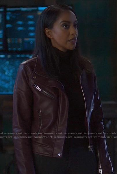 Kelly's burgundy leather jacket on Supergirl