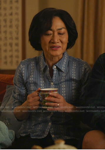 Mrs. Kim's blue floral embroidered blouse on Kims Convenience