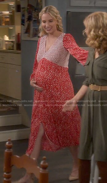 Mandy's red printed midi maternity dress on Last Man Standing