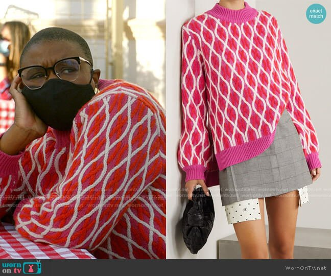 Anders Cable-Knit Wool-Blend Sweater by Stine Goya worn by Henrietta Wilson (Aisha Hinds) on 9-1-1