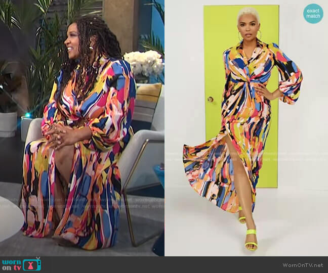 Twist-Front Maxi Shirtdress by New York & Company worn by Kym Whitley  on E! News