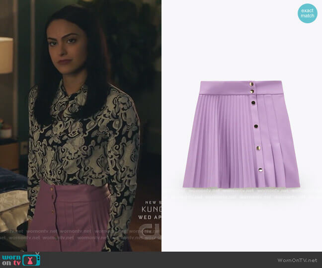 Pleated Faux Leather Skirt by Zara worn by Veronica Lodge (Camila Mendes) on Riverdale