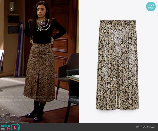 Zara Faux Leather Snake Print Skirt worn by Zoe (Kiara Barnes) on The Bold & the Beautiful