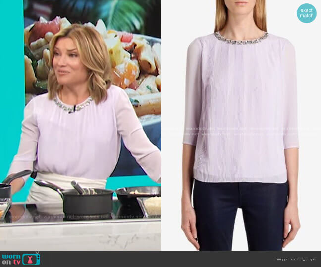 Altrr Blouse in Light Purple by Ted Baker worn by Kit Hoover  on Access Hollywood