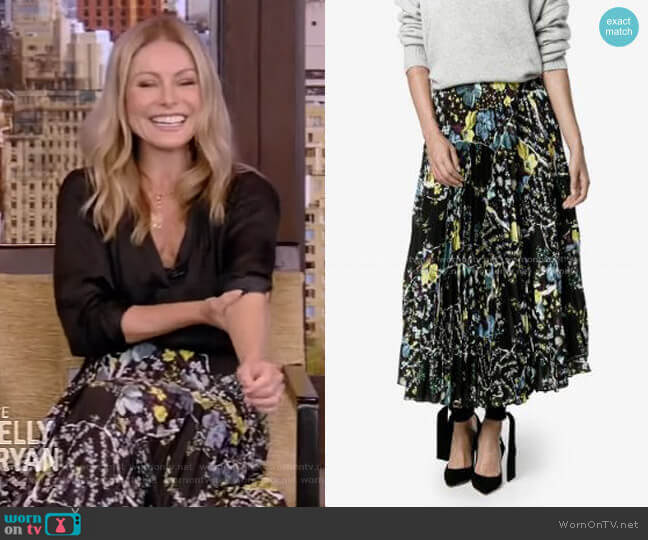 Floral Print Pleated Skirt by Erdem worn by Kelly Ripa  on Live with Kelly & Ryan