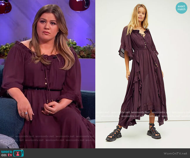 Beach Bliss Maxi Dress by Free People worn by Kelly Clarkson  on The Kelly Clarkson Show