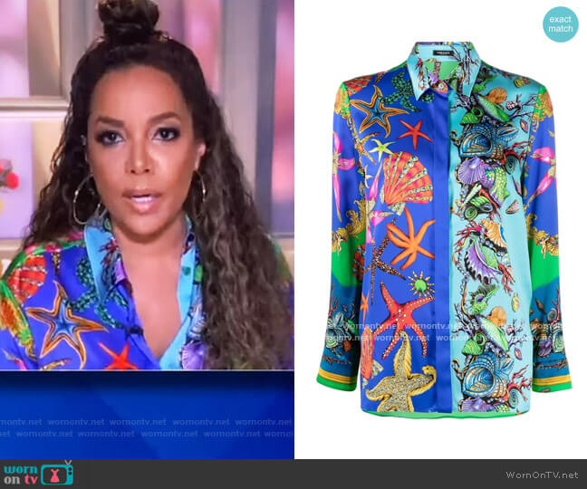 Shell-print long-sleeve shirt by Versace worn by Sunny Hostin  on The View