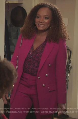 Bobbi's pink blazer and blouse on Kenan