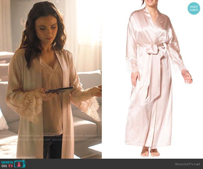 Christine Lingerie Heirloom Silk Charmeuse Long Robe worn by Abigael Jameson-Caine (Poppy Drayton) on Charmed