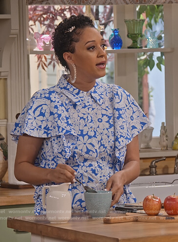 blue floral puff sleeve top on Family Reunion