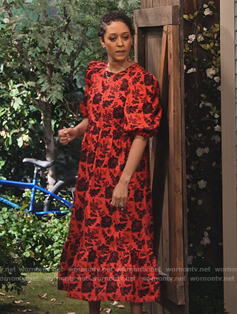 Cocoa's red floral puff sleeve dress on Family Reunion