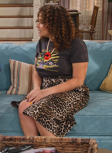Jade's leopard wrap skirt and tee on Family Reunion