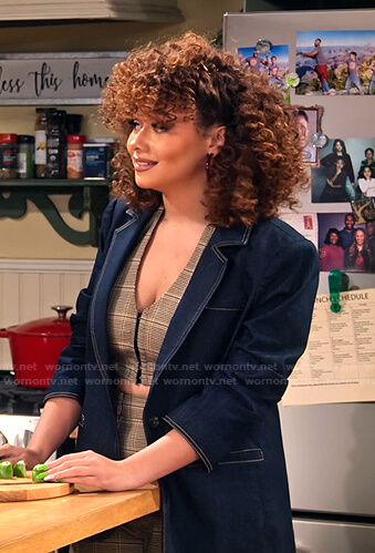 Jade's ruched sleeve denim blazer on Family Reunion