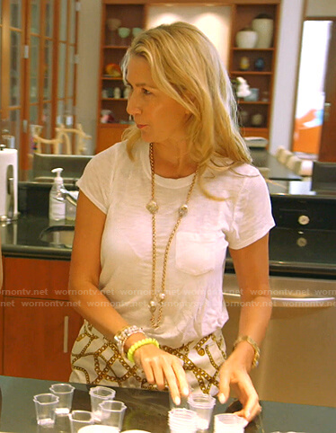 Kary's white tee and chain print shorts on The Real Housewives of Dallas