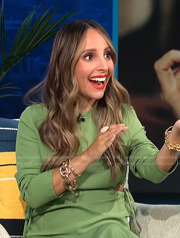 Lilliana's green cutout waist dress on E! News Daily Pop