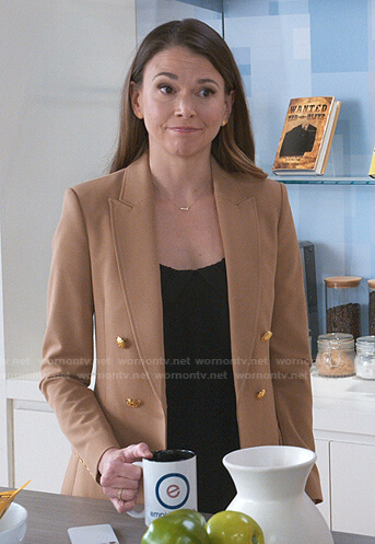 Liza's beige double breasted blazer on Younger