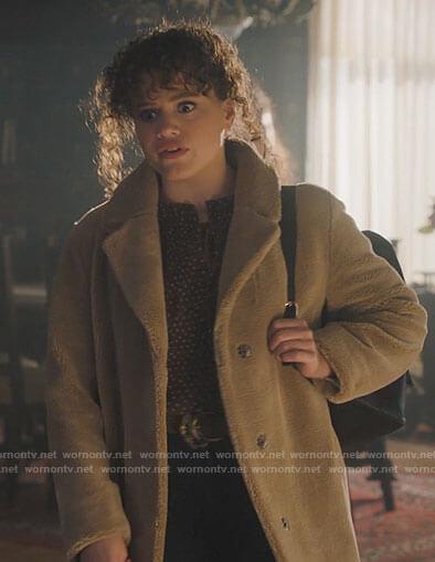 Maggie's beige fur coat on Charmed