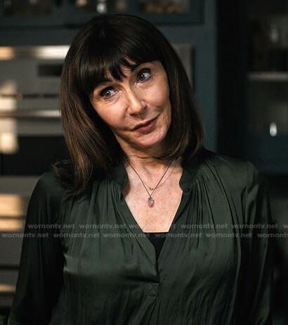 Maggie's green v-neck blouse on Zoeys Extraordinary Playlist