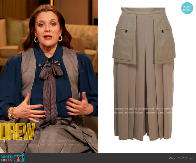 Grey Fox Culottes by Max Mara worn by Drew Barrymore  on The Drew Barrymore Show