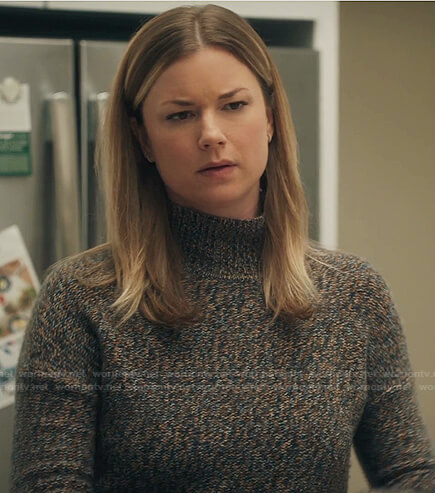 Nic's marled turtleneck sweater on The Resident