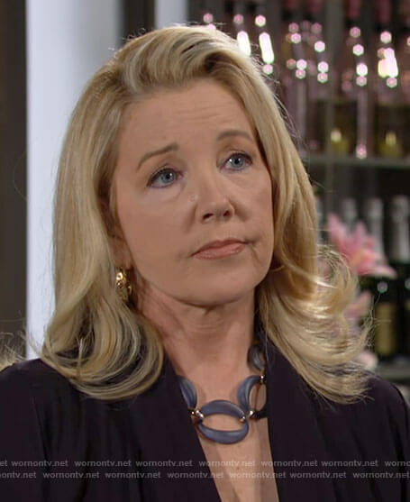 Nikki's blue link necklace on The Young and the Restless
