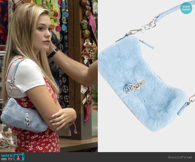 Pretty Little Thing Baby Blue Faux Fur Silver Chain Shoulder Bag worn by Kate Wallis (Olivia Holt) on Cruel Summer