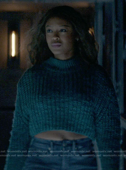 Ryan's teal cropped sweater on Batwoman