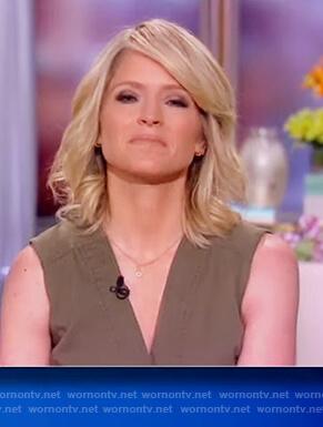 Sara's khaki sleeveless dress on The View