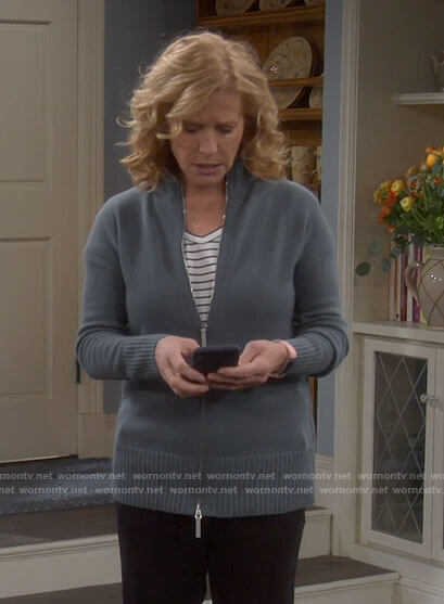 Vanessa's blue zip up sweater on Last Man Standing