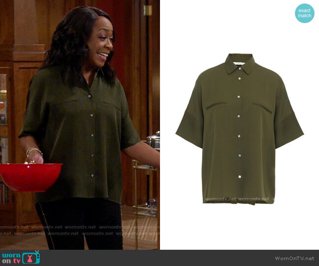 Vince Short Sleeve Shirt worn by Tina (Tichina Arnold) on The Neighborhood