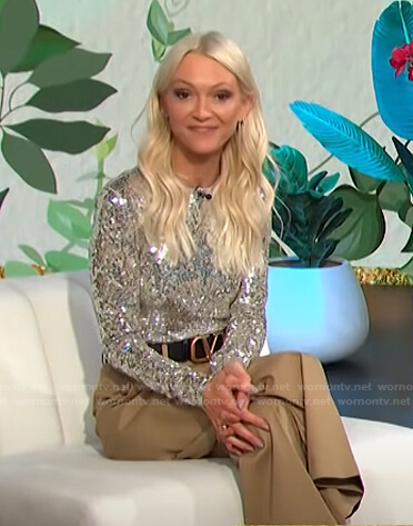 Zanna Roberts Rassi's sequin top and beige pants on E! News Daily Pop