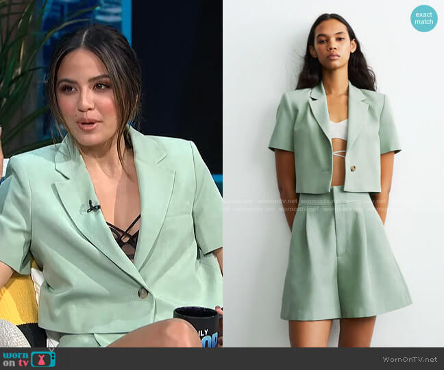 Linen Blend Cropped Blazer and Shorts by Zara worn by Erin Lim  on E! News