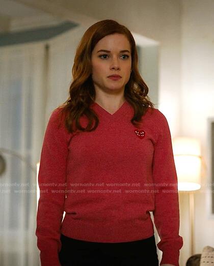 Zoey's pink heart patch v-neck sweater on Zoeys Extraordinary Playlist