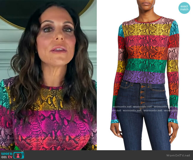 Delaina Colorblock Snake-Print Crewneck Long-Sleeve Crop Top by Alice + Olivia worn by Bethenny Frankel on The Kelly Clarkson Show worn by https://www.kellyclarksonshow.com/ (NBC) on The View