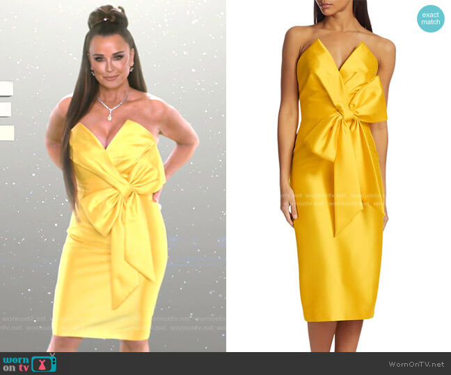 Scupture Bow-Front Strapless Dress by Badgley Mischka worn by Kyle Richards  on The Real Housewives of Beverly Hills