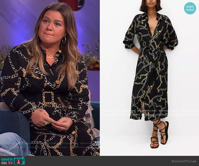 Chain Print Dress by Mango worn by Kelly Clarkson  on The Kelly Clarkson Show