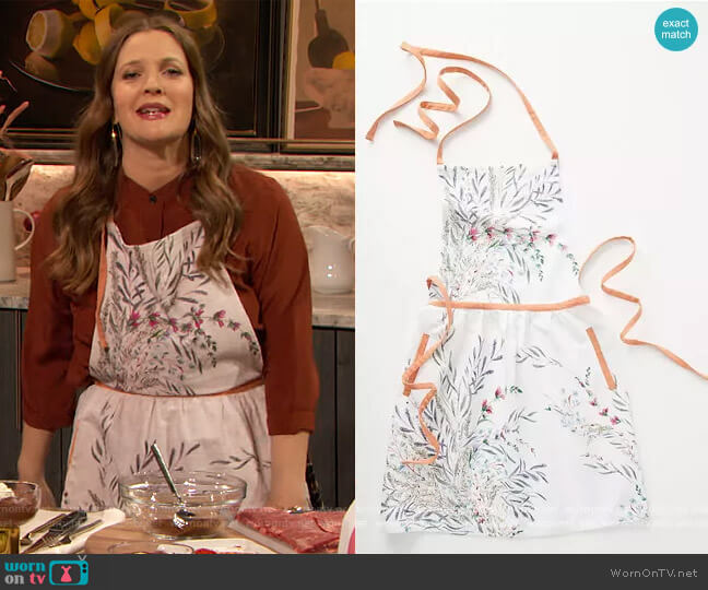 Printemps Apron by Anthropologie worn by Drew Barrymore  on The Drew Barrymore Show