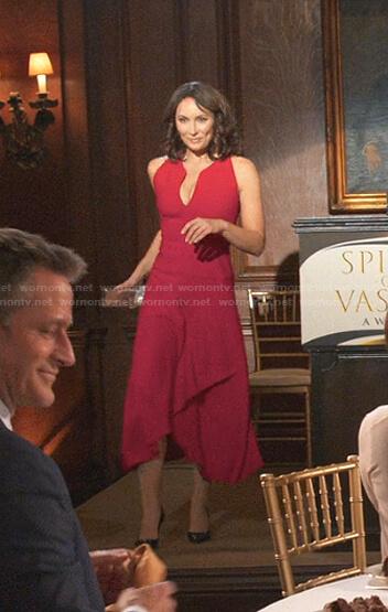 Quinn's red v-neck midi dress on Younger