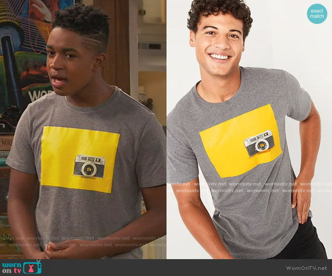 Washed Graphic Tee by Old Navy worn by Booker Baxter (Issac Ryan Brown) on Ravens Home