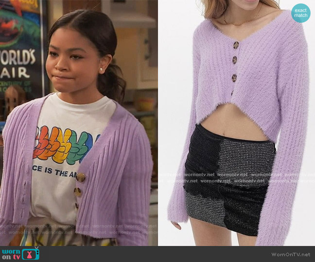 Rochelle Fuzzy Cropped Sweater by Urban Outfitters worn by Nia Baxter (Navia Robinson) on Ravens Home