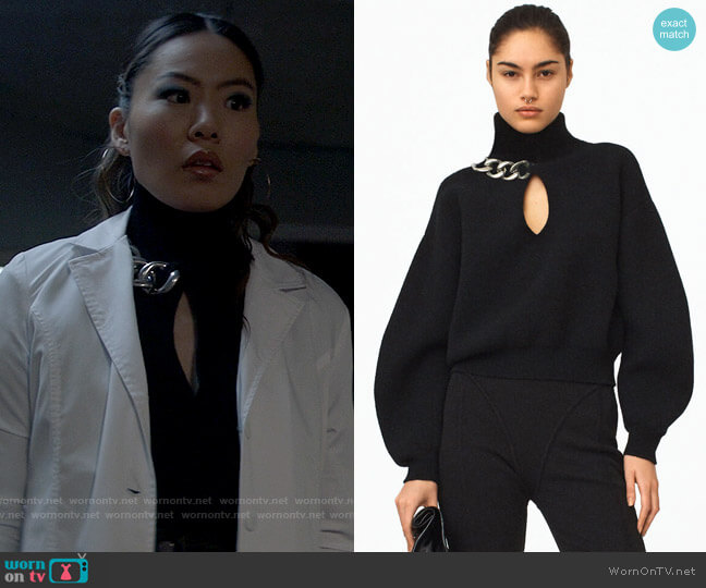 Alexander Wang Chainlink Keyhole Pullover worn by Mary Hamilton (Nicole Kang) on Batwoman