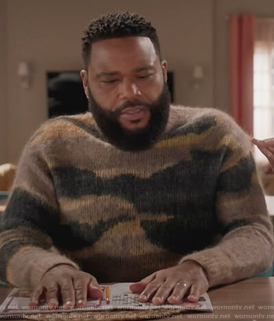 Andre's brown mohair patterned sweater on Black-ish