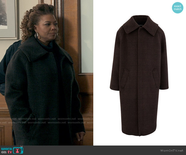 Balenciaga Incognito Coat worn by Robyn McCall (Queen Latifah) on The Equalizer