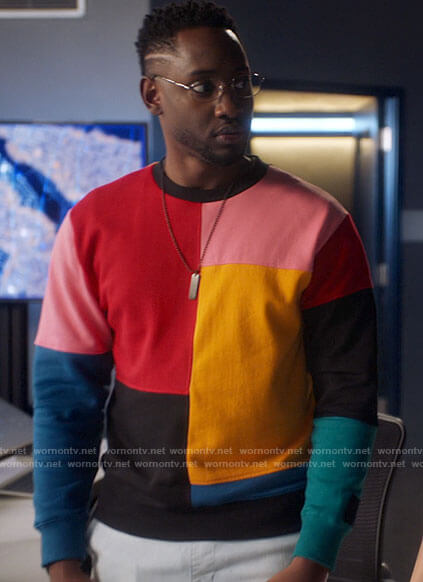 Chester's colorblock sweater on The Flash