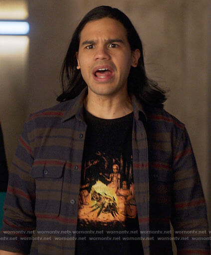 Cisco's camp fire t-shirt on The Flash