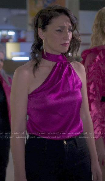 Dawn's pink one-shoulder top on Girls5eva