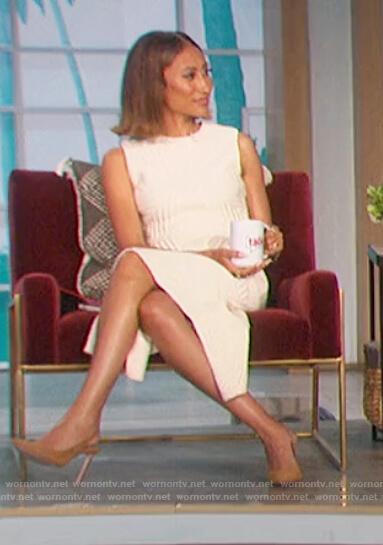 Elaine's white sleeveless ribbed asymmetric dress on The Talk