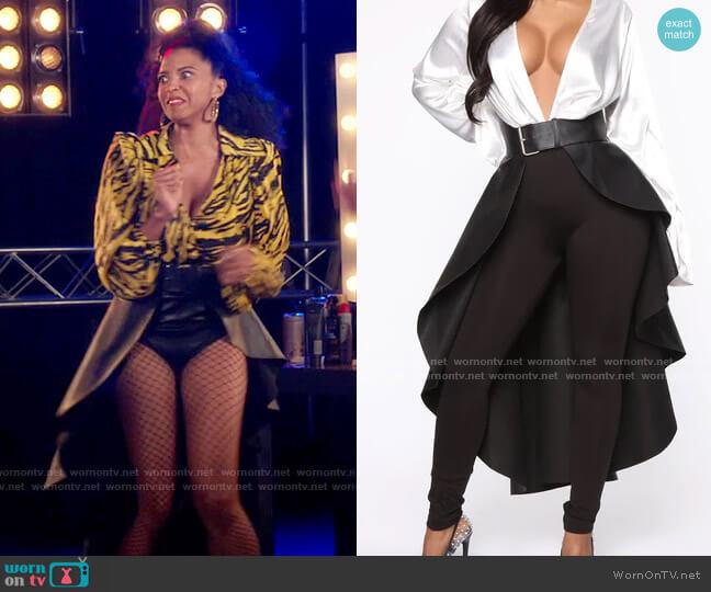Fashion Nova Skirt Skirt Belt worn by Wickie Roy (Renée Elise Goldsberry) on Girls5eva