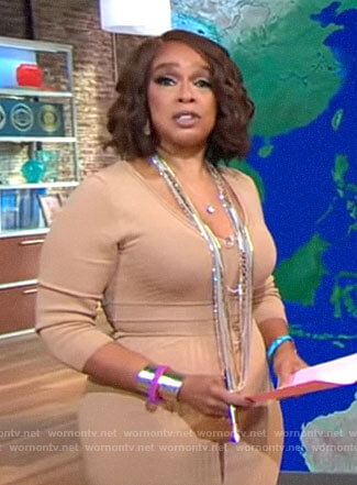 Gayle King's beige ribbed v-neck dress on CBS This Morning