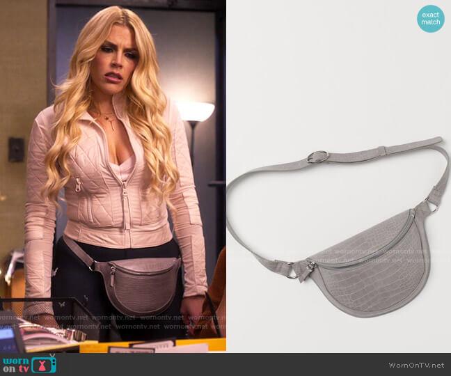 H&M Crocodile-patterned Belt Bag worn by Summer Dutkowsky (Busy Philipps) on Girls5eva